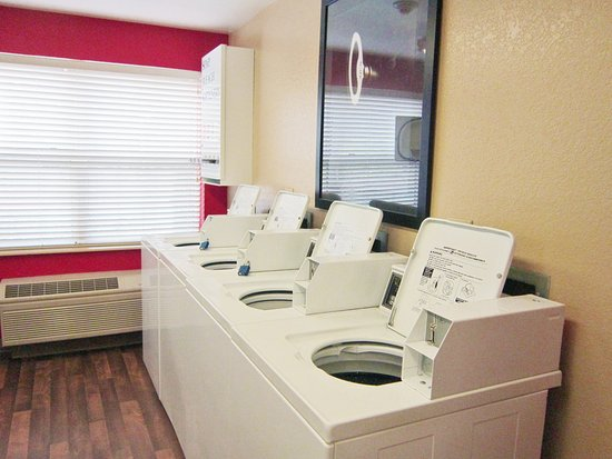 Everett, WA: On-Premise Guest Laundry