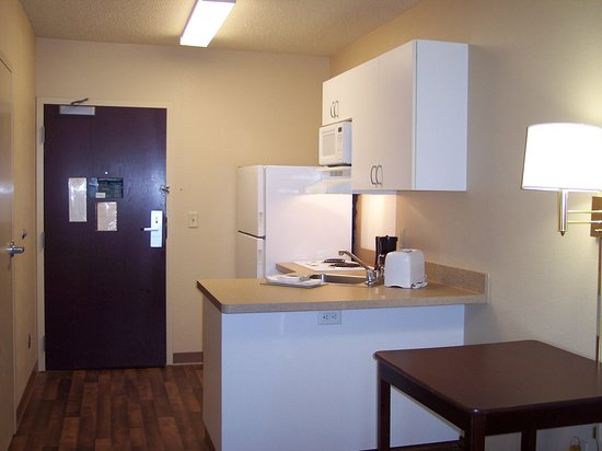 Peoria, IL: Fully-Equipped Kitchens