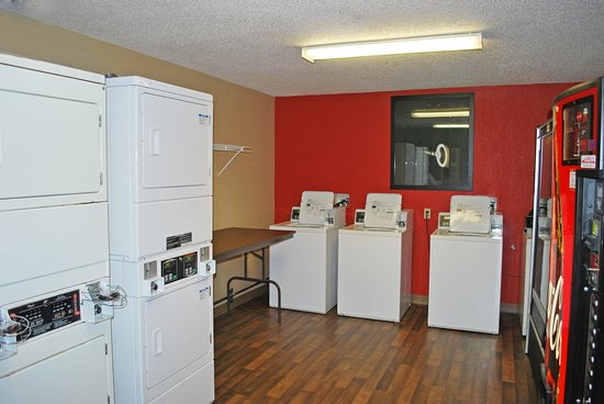 Extended Stay America - St. Louis - Westport - East Lackland Rd.: On-Premise Guest Laundry