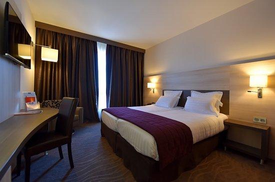 chambre twin - Photo de Kyriad Prestige & Spa Lyon Est ...