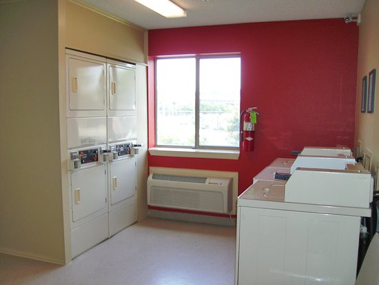 Extended Stay America - Tulsa - Midtown: On-Premise Guest Laundry