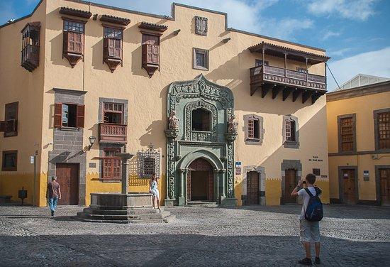 Каса-де-Колон (Дом Колумба)