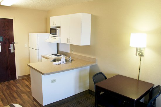 Extended Stay America - Portland - Gresham: Fully-Equipped Kitchens