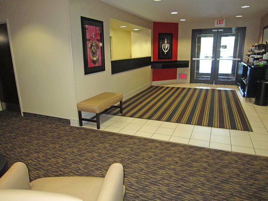 Extended Stay America - St. Petersburg - Clearwater - Executive Dr.: Lobby and Guest Check-in