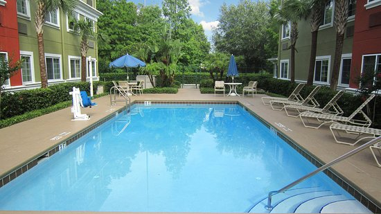 Extended Stay America - Orlando - Lake Mary - 1040 Greenwood Blvd: Swimming Pool