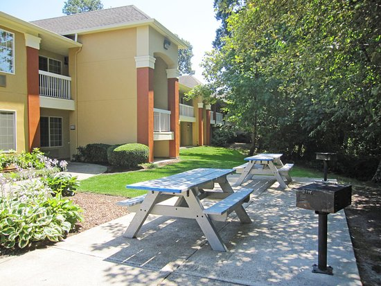 Extended Stay America - Portland - Tigard: Picnic Area