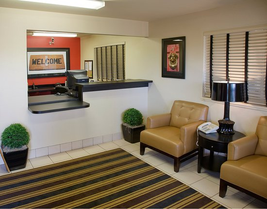 Extended Stay America - Washington, D.C. - Germantown - Town Center: Lobby and Guest Check-in