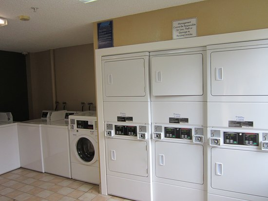 Tamarac, FL: On-Premise Guest Laundry