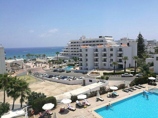Vrissaki Hotel Apartments: IMG_20160728_120427_large.jpg