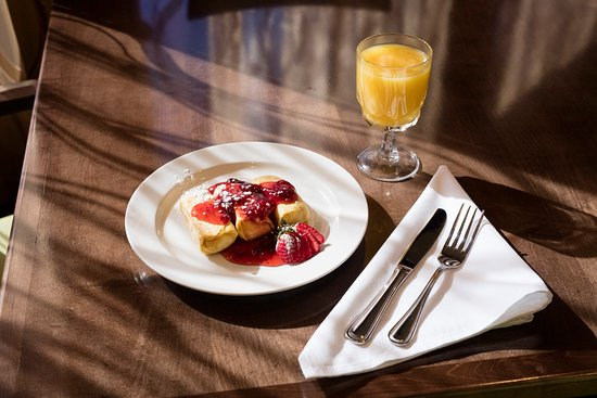 Athens, Джорджия: Breakfast buffet or menu, it's always your choice at Redfearn