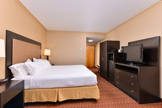 Breezewood, PA: King Room