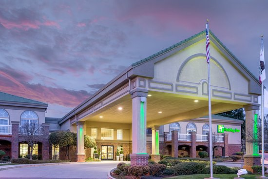 Holiday Inn Auburn: Hotel entrance