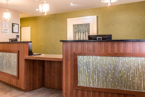 Quality Inn Bedford : Lobby