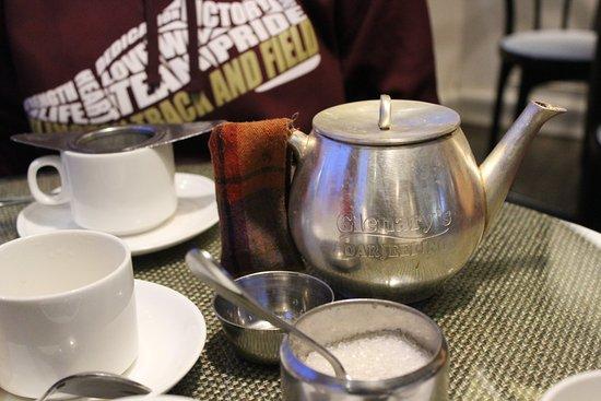 Sinclairs Darjeeling : Having tea at Glennaries at the Mall.