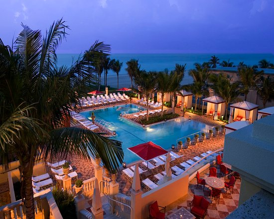 Sunny Isles Beach, FL: Beach Club Pool