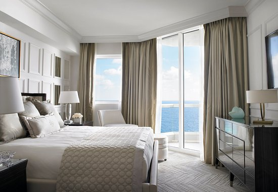 Sunny Isles Beach, FL: One Bedroom Oceanfront Suite Bedroom