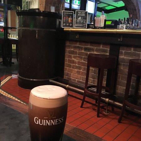 Lansdowne Road Irish Tavern: photo0.jpg