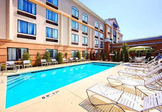 Fairfield Inn & Suites Anniston Oxford: Outdoor Pool