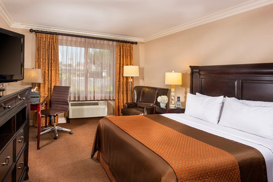 Ayres Inn & Suites Ontario Mills Mall: King Pillowtop Studio Suite