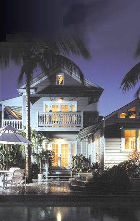 Eden House : Exterior