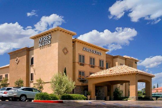 Ayres Suites Corona West: Exterior Suites Building