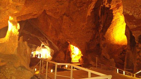 Las Cuevas del Salitre: interior