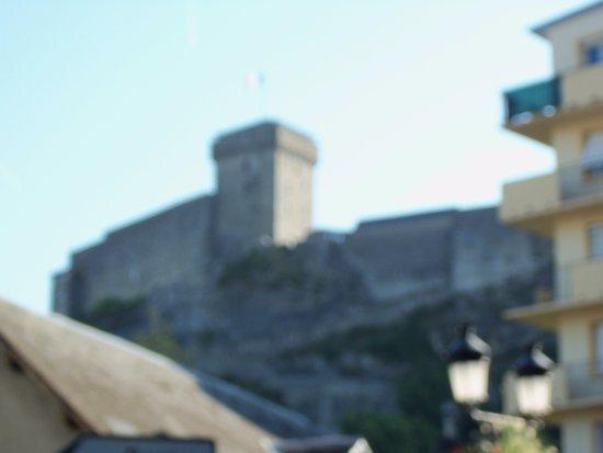 Casa Natal Bernadette: bellos entornos de la ciudad de lourdes y las montañas
