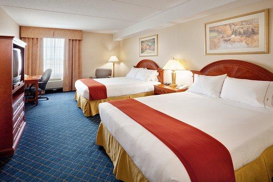 Barrie, Canadá: 2 Queen Bed Guest Room