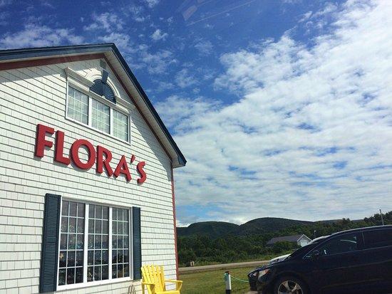 Flora's Gift Shop: photo0.jpg