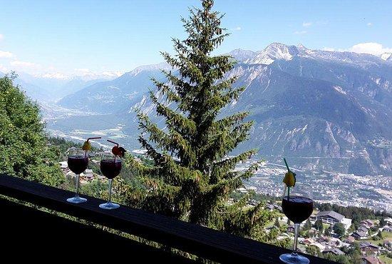 Crans-Montana, Suiza: Vue de terrasse