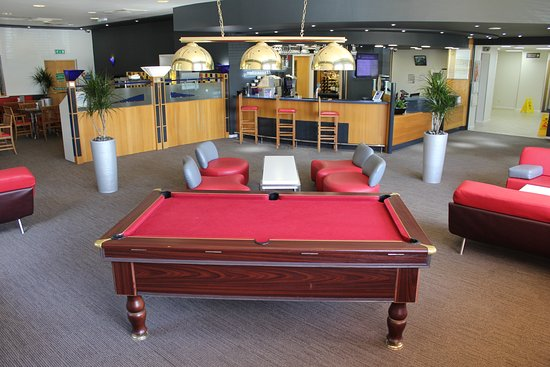 Ibis cardiff gate hotel pays de galles voir les tarifs for Salle a manger wales