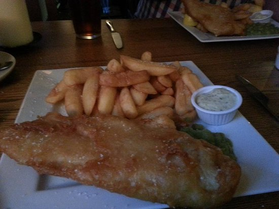 The Red Lion: fish and chips meal very yummy