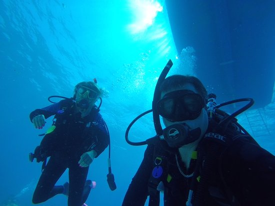 Captain Slate's SCUBA Adventures: Diving with Capt Skye @ Capt Slate's Scuba Adventures in Tavernier, FL - Florida Keys