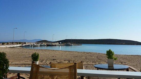 Diakofti, Grecia: Κρυστάλλινα νερά σε ένα άκρως εντυπωσιακό μέρος, με ωραίο φαΐ και άριστο σέρβις !!