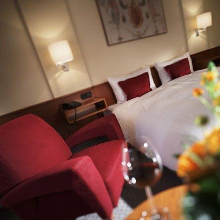 Turm Hotel-a Supranational Hotel: Double Room Fresco Street