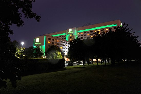 Holiday Inn London-Heathrow M4, Jct. 4: Night Hotel Feature