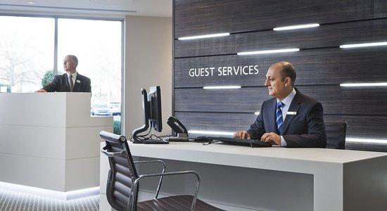Holiday Inn London-Heathrow M4, Jct. 4: Concierge
