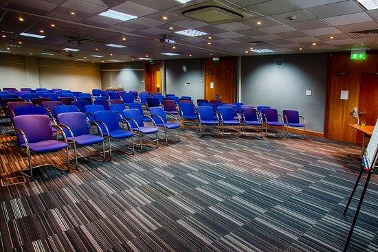 Holiday Inn London-Heathrow M4, Jct. 4: Herringbone