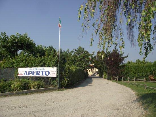 Monvalle, Italia: Entrée du camping