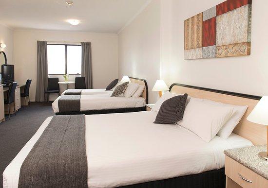 โรงแรมคอมฟอร์ตอเดเลดริเวียร่า