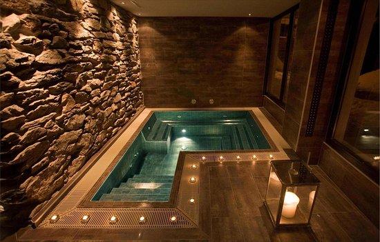 Unique Hotel Post: Pool