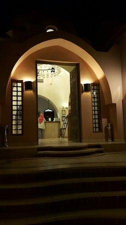 Hotel Sultan Bey Resort: 20160801_205239_large.jpg
