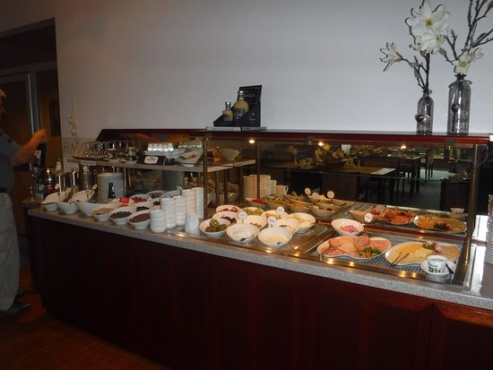 Bad Bevensen, Deutschland: A wide variety of food to choose from. Our breakfasts were always amazing. Coffee was great.