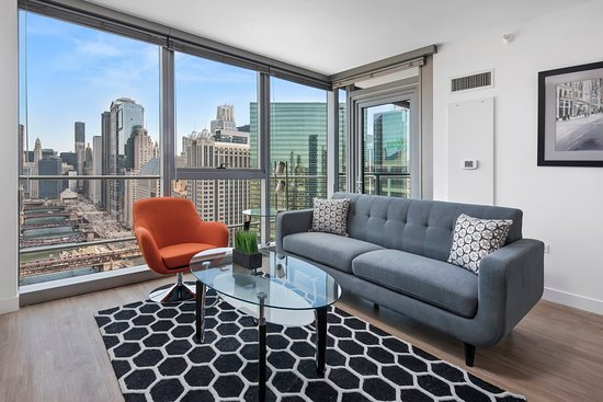 Manilow Suites at Wolf Point West