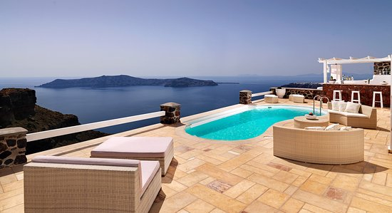 Tholos Resort: Outdoor patio