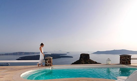 Tholos Resort: The view from our pool