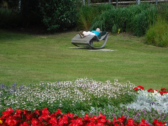 Bad Bevensen, Alemania: Kurpark...a great place to catch an afternoon nap.