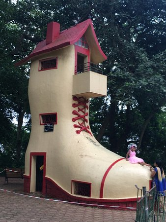 Kamala Nehru Park: The Shoe House