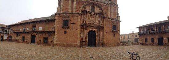 San Carlos del Valle, İspanya: Plaza