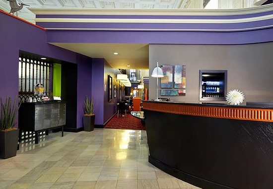 Residence Inn Columbus Downtown: Front Desk
